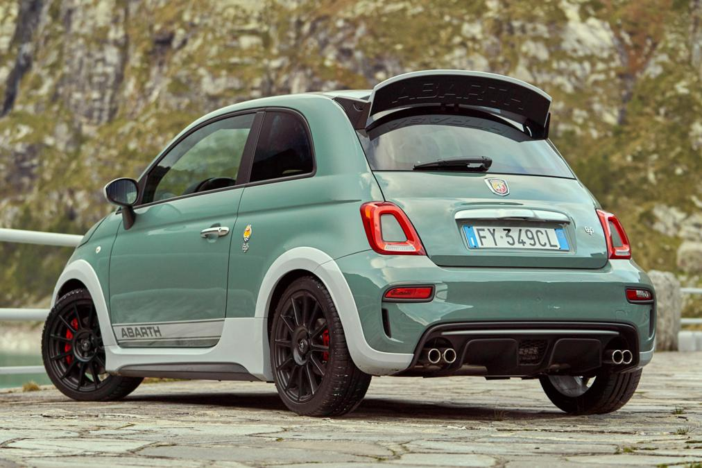 2019 abarth 695 70th aniversario 2